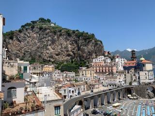 vistas pueblo mediterraneo atrani costas