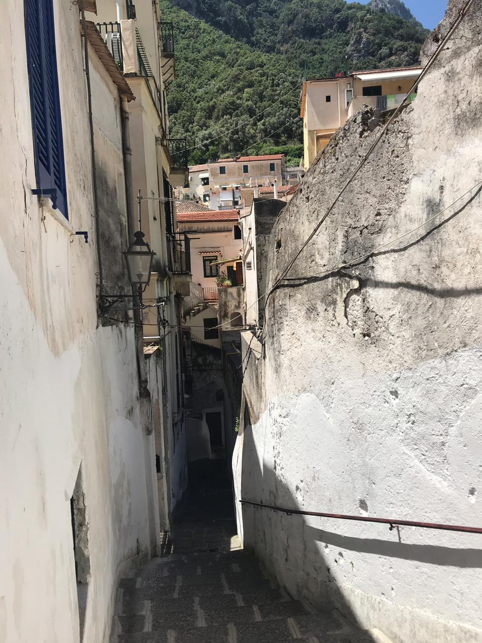 camino secreto escondido de amalfi a atrani italia costa amalfitana ir caminando (27)
